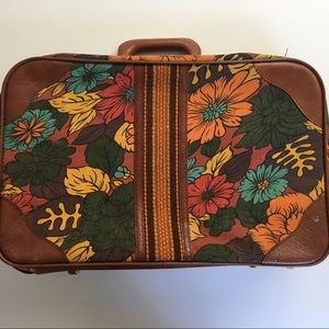 Adorable vintage flower suitcase mod travel bag